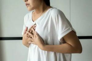 К какому врачу обращаться с болью в груди?