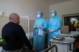 В Минздраве рассказали, какие доплаты получат врачи, борющиеся с коронавирусом