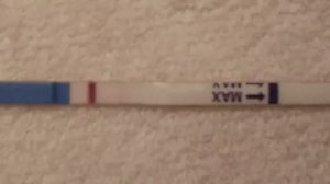 Выделения крови, а тест показывает 2 полоски