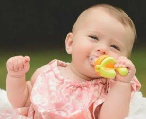 До какого возраста можно давать ребенку пустышку?