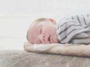 Месячный ребенок много спит