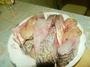 Поранила палец рыбной костью